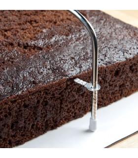 Прибор за разрязване на блатове за торти