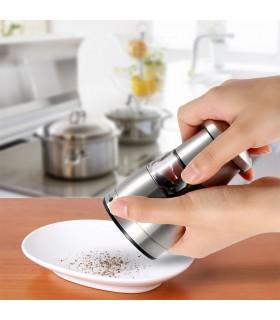 Малка ръчна мелничка за черен пипер