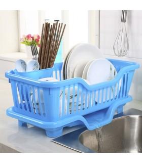 Сушилник за чинии с табла за директно отцеждане на водата в мивката
