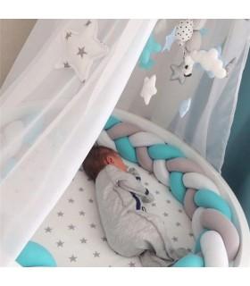 Плетен обиколник за бебешка кошара-количка