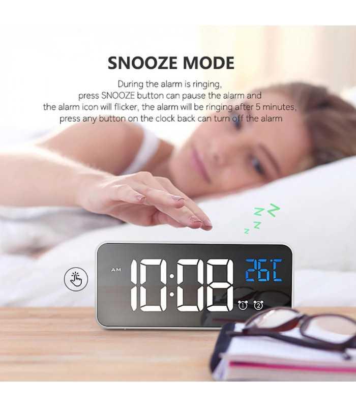 Красив настолен часовник с големи цифри и термометър - 8808 - 4