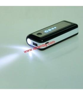 Мобилна батерия Power Bank 5600mAh + фенерче