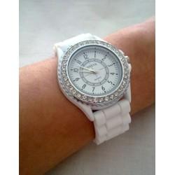 Дамски часовник Geneva с камъчета