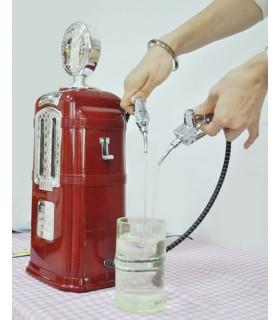 Червена Ретро бензинова колонка за напитки