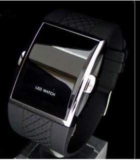 НОВ Модел Часовник Black OUTLET